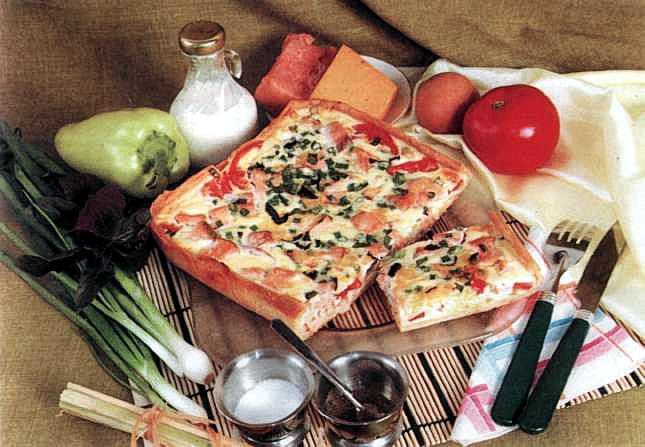 """Рецепт """"Пицца с копченой свининой и болгарским перцем"""""""