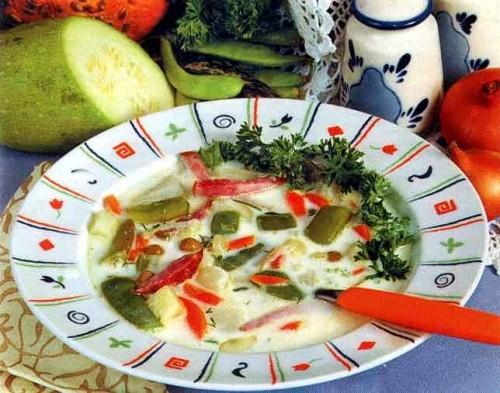 """Рецепт """"Суп из говядины с плавленым сыром"""""""
