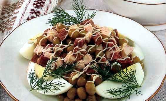 """Рецепт """"Салат из говядины и птицы"""""""