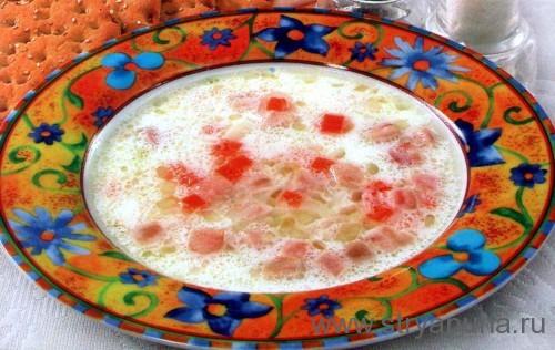 Суп молочный с копченостями