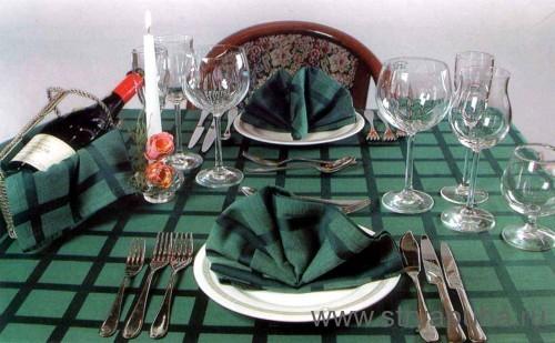 Сервировка стола для праздничного ужина